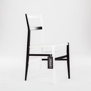 Cassina 699 Superleggera stoel