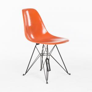 Herman Miller Fiberglass Chair oranje zwart