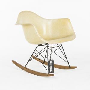 Herman Miller Rocking Fiberglass Chair geel