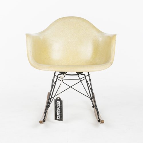Herman Miller Rocking Fiberglass Chair geel