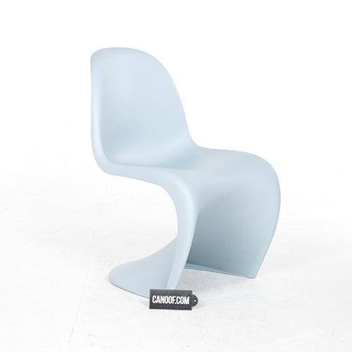 Vitra Verner Panton Chair ijsgrijs - Canoof.nl