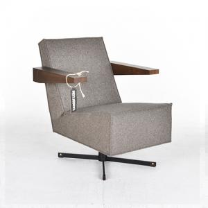 rietveld press room chair