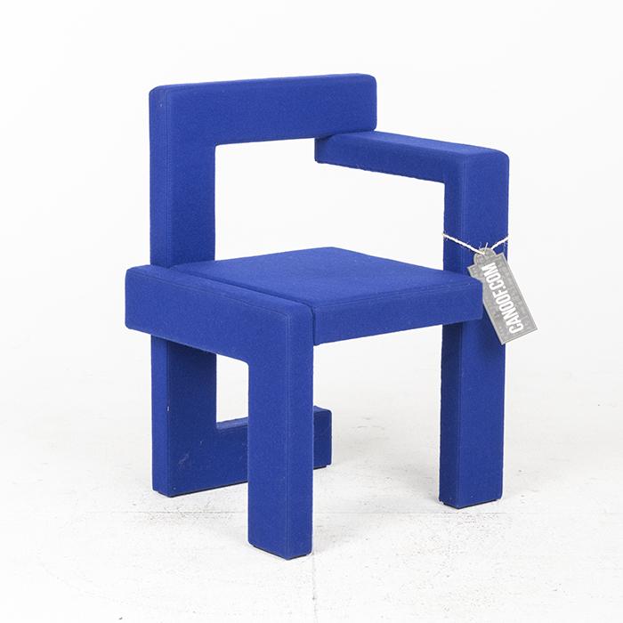 Rietveld steltman stoel vilt blauw for Steltman stoel afmetingen