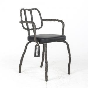 maarten baas plain clay dining chair arm antraciet