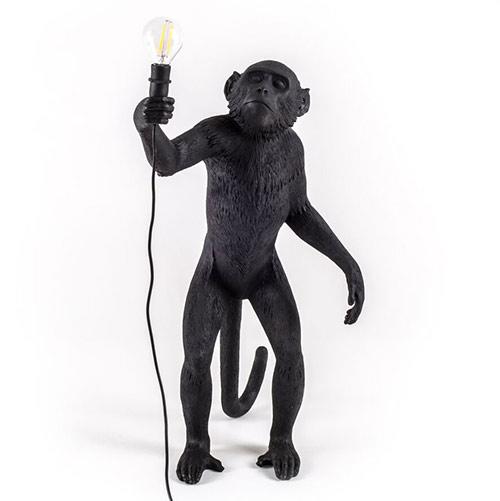 Seletti-aap-lamp-zwart-staand-1.jpg