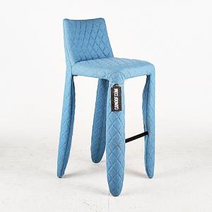 Moooi Monster Barstool Divina Melange lichtblauw