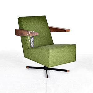 moooi press room chair groen